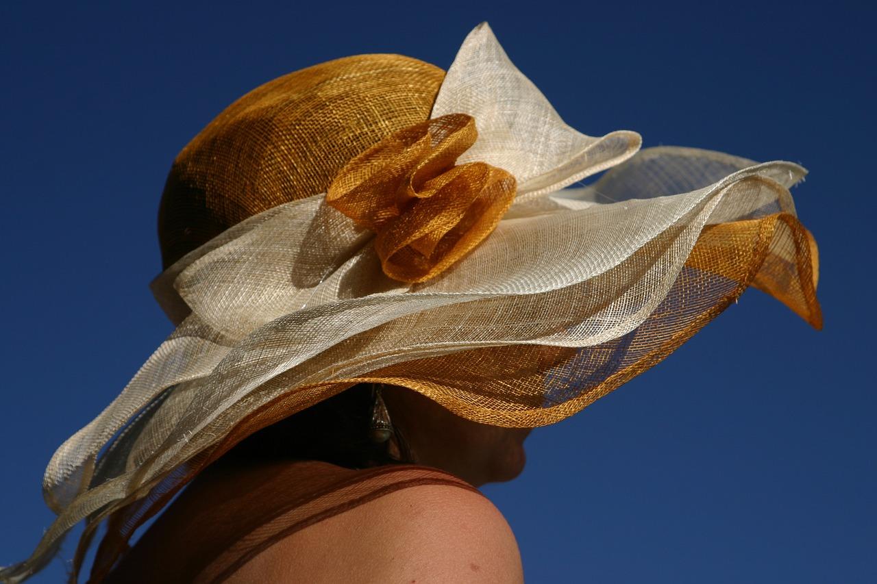 hat-1427027_1280